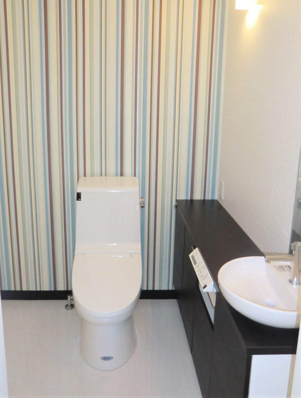 トイレの壁紙は ちょっと冒険しよう ヤマシナのリフォーム 千葉県鎌ケ谷市 船橋市でリフォームなら